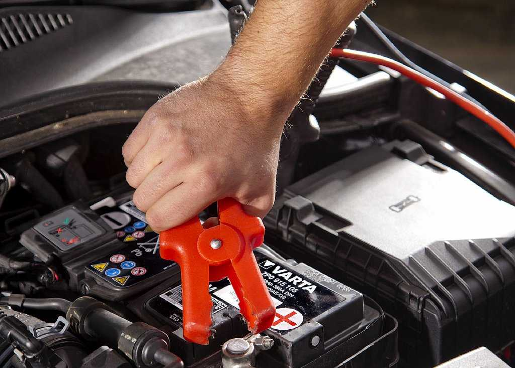 Как правильно заряжать автомобильный аккумулятор