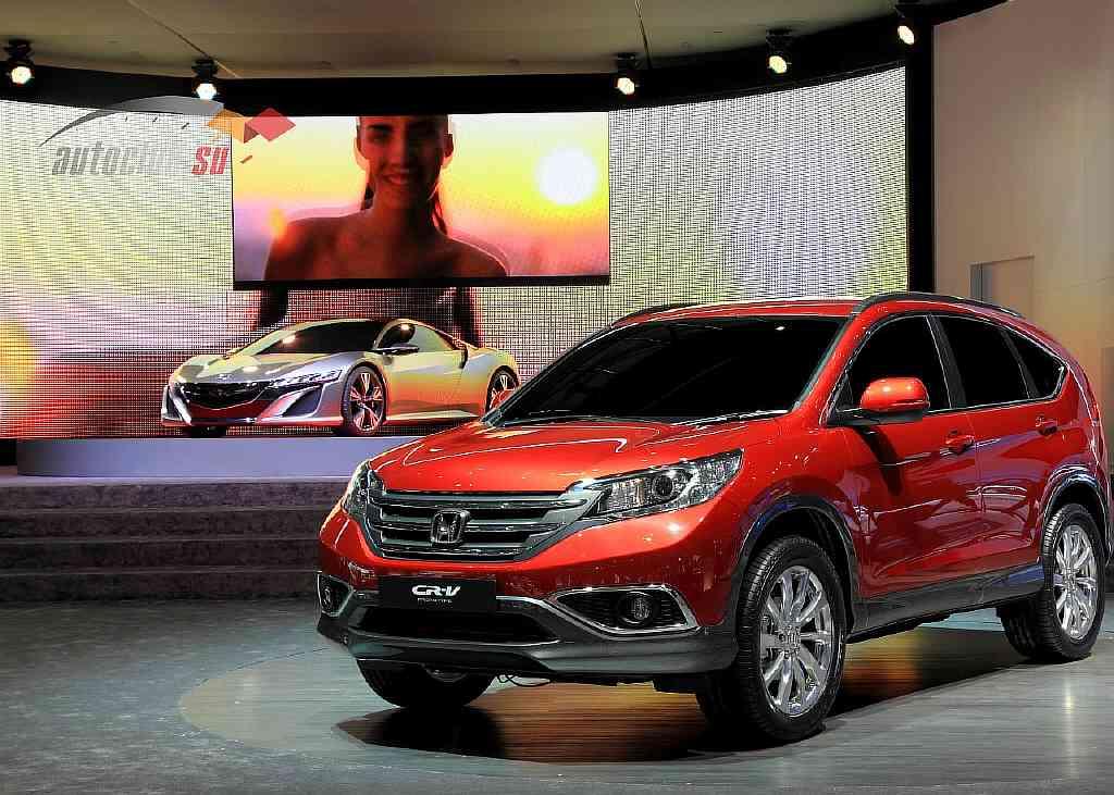 Сохранила ли Хонда СРВ клиренс при смене поколения? Каковы параметры силовых узлов автомобиля?