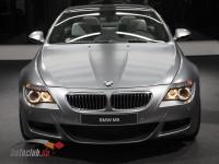 Front view of a matt silver BMW M6