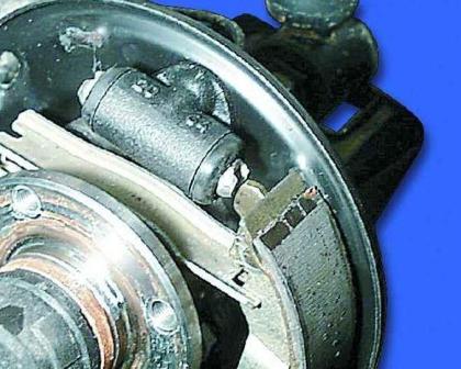 Монтаж тормозных колодок ВАЗ 2109
