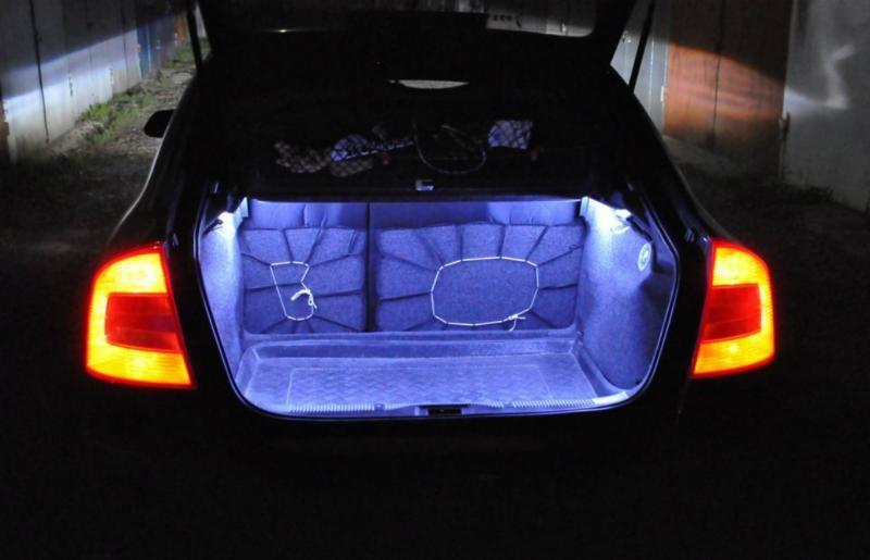 Светодиодная лента по периметру багажника машины