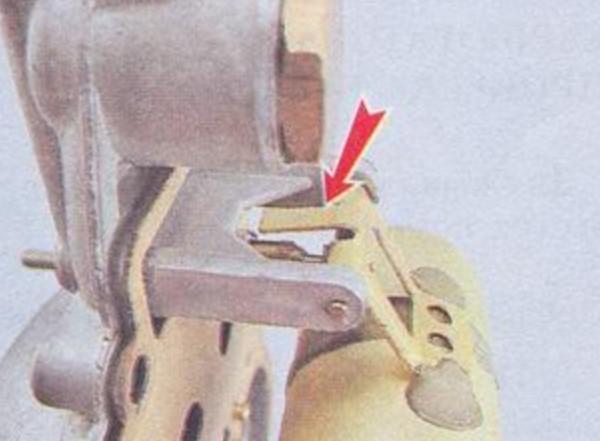Упор для регулировки игольчатого клапана карбюратора ДААЗ 2107