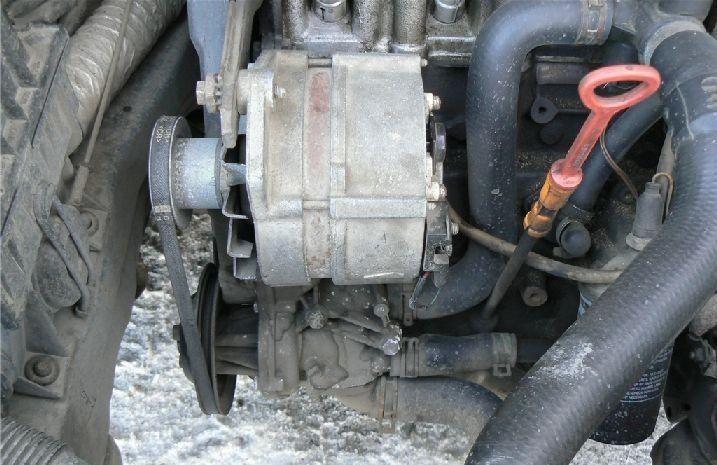 Размещение помпы на двигателе Volkswagen Passat B3