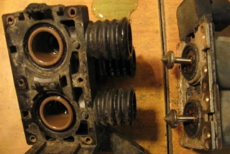 Снятие крышки клапанного блока БМВ Е34
