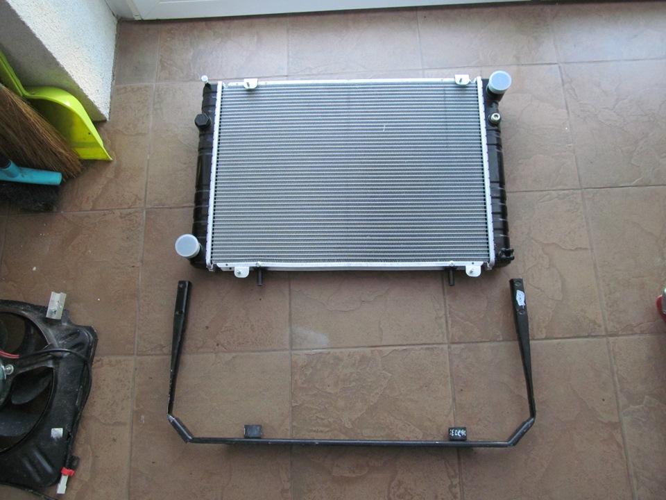 Демонтаж радиатора охлаждения двигателя ЗМЗ 405