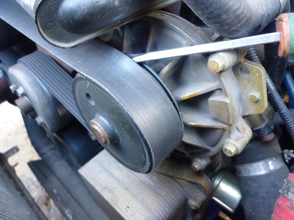 Расположение помпы на двигателе «Газели»