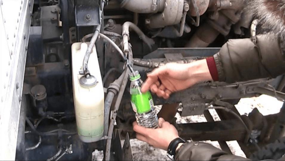 Сливной кран охлаждающей жидкости на блоке цилиндров