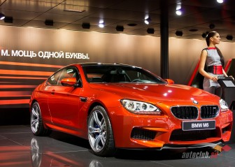 BMW M6 2012 red