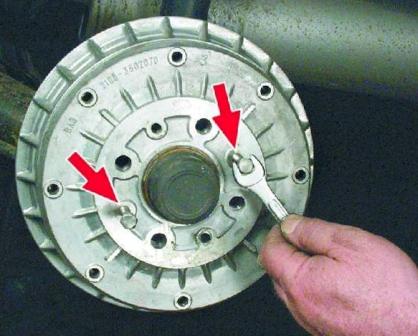 Демонтаж тормозного барабана