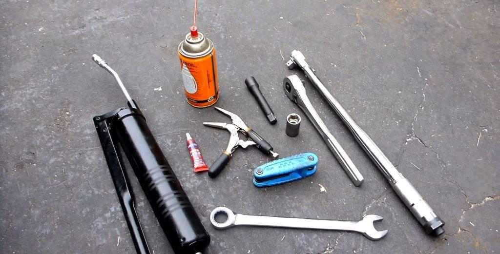 Комплект инструмента для замены стоек стабилизатора