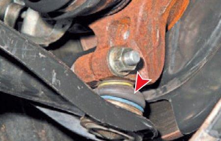 Соединение рычага передней подвески и поворотного кулака Рено Логан