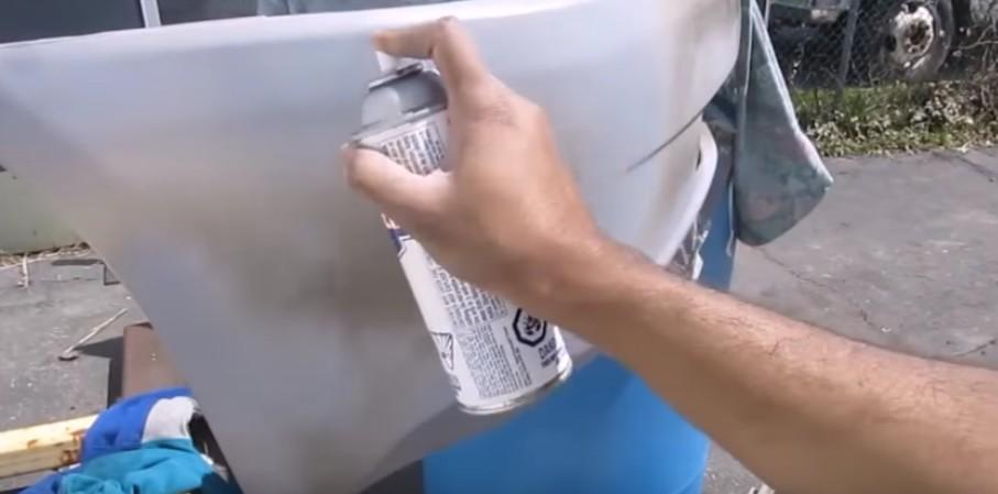 Окрашивание повреждённого участка бампера