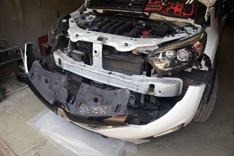 Демонтаж переднего обвеса