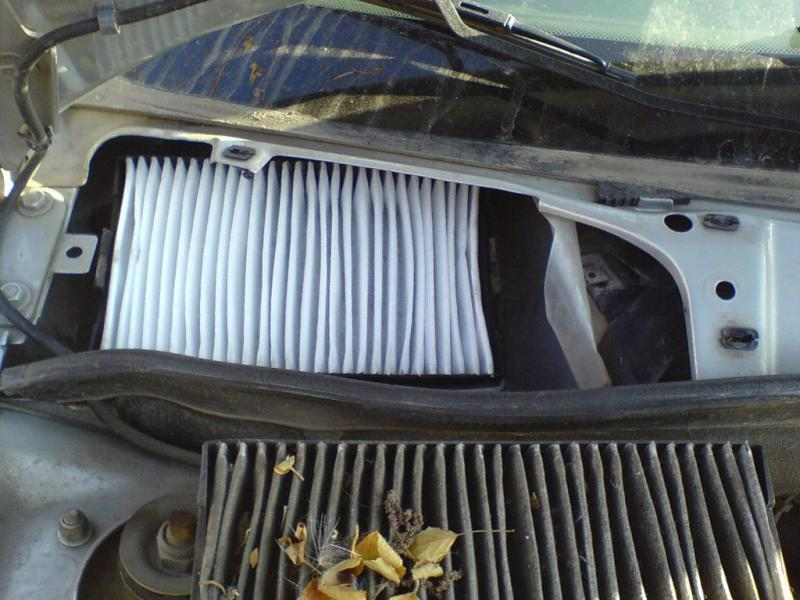 Замена салонного фильтра на автомобилеЛада Калина