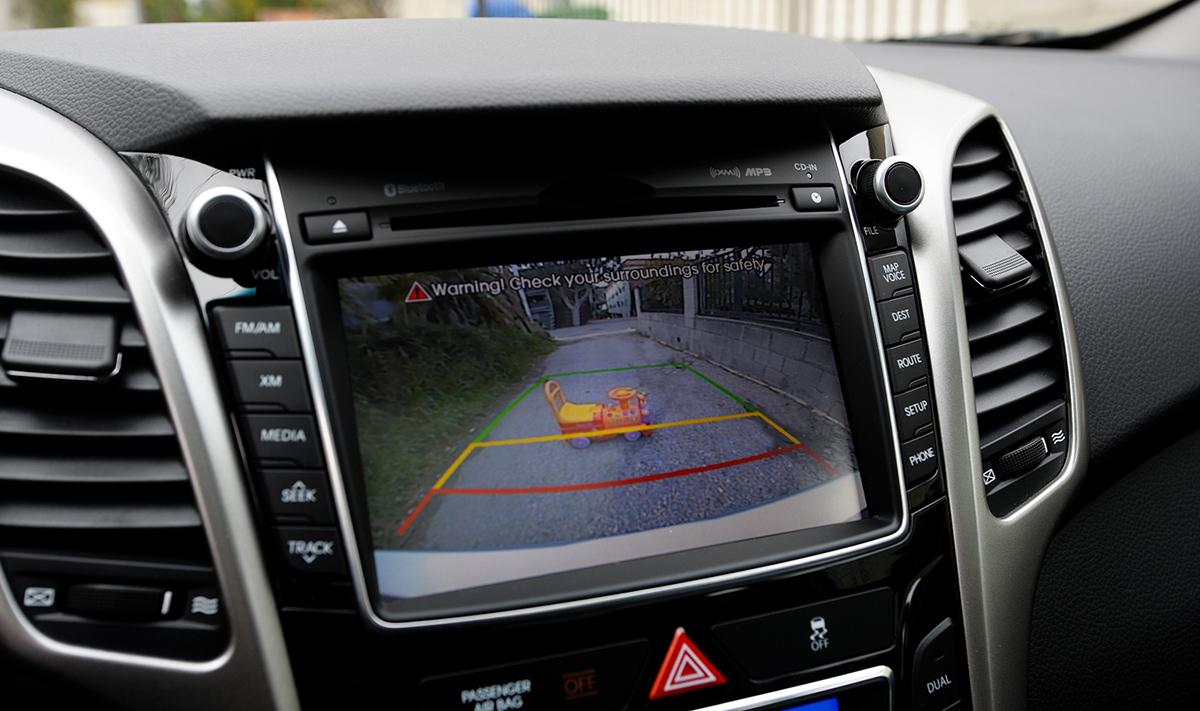 Умная магнитола с камерой заднего вида: как установить и подключить её в автомобиле