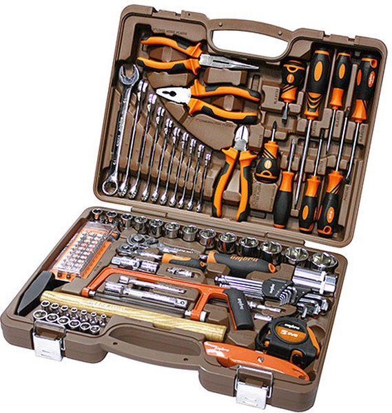 Набор инструментов для автолюбителя
