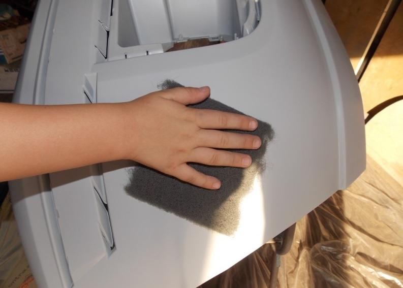 Шлифовка бампера наждачной бумагой