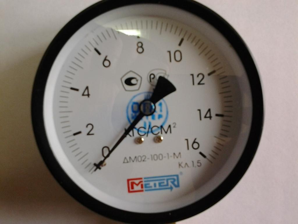 Манометр ДМ02–100–2М