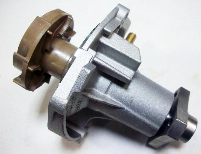 Самостоятельная замена помпы на классических моделях автомобилей ВАЗ