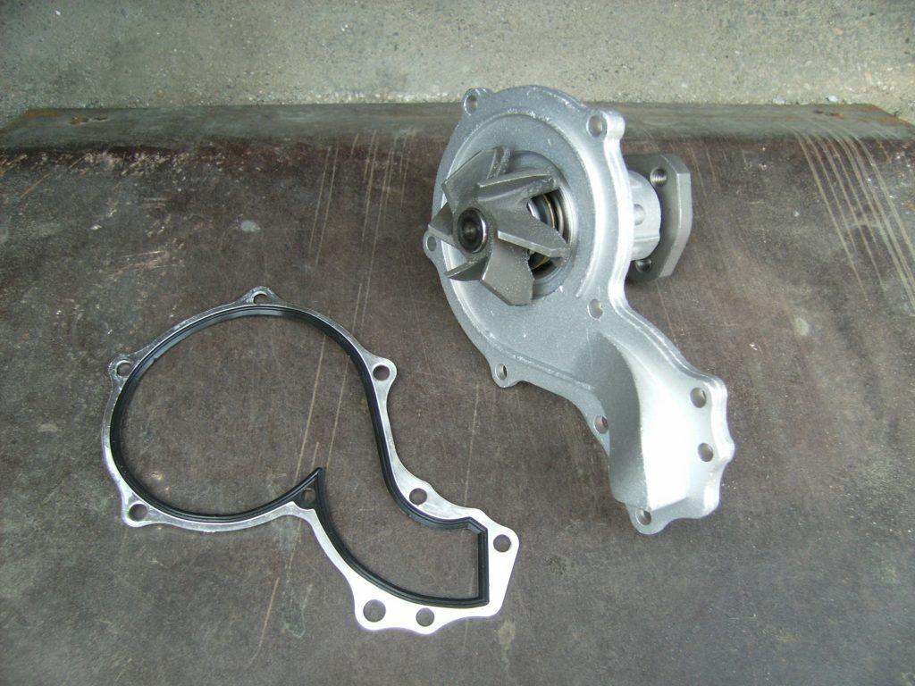 Крышка помпы Volkswagen Passat B3