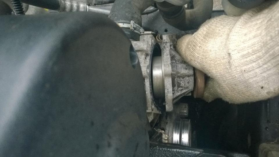 Помпа двигателя z18xer