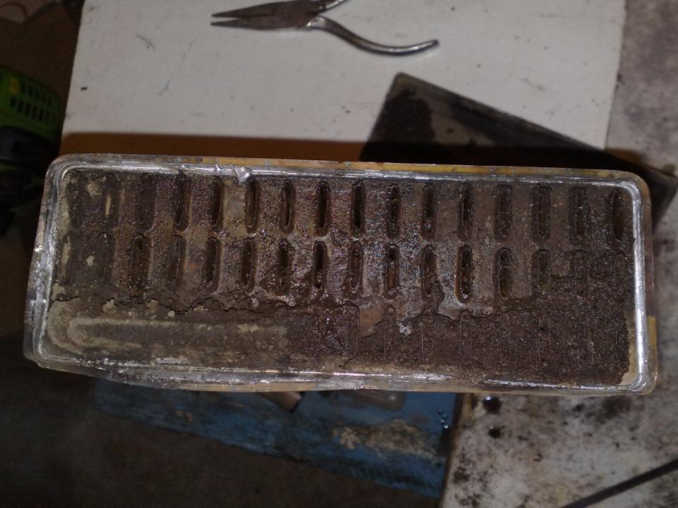 Забитый отложениями радиатор печки «Дэу Нексия»