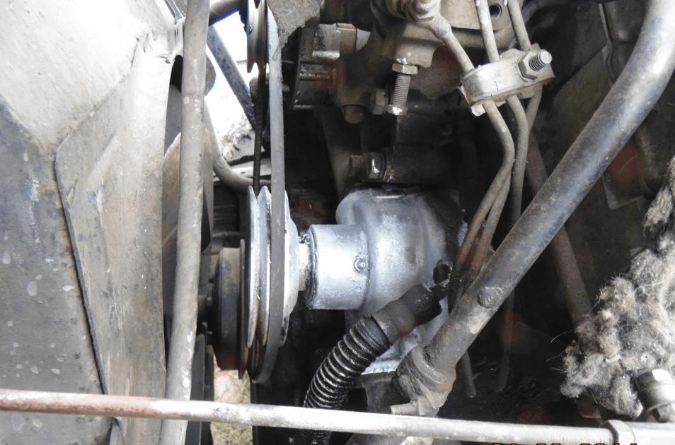 Демонтаж ремней помпы на автомобиле КАМАЗ