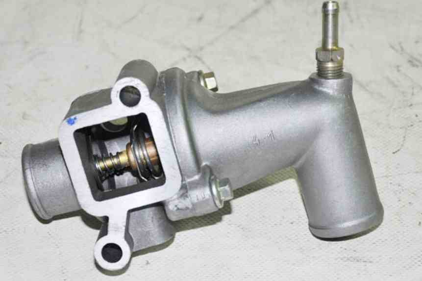 Корпус термостата двигателя ЗМЗ 405