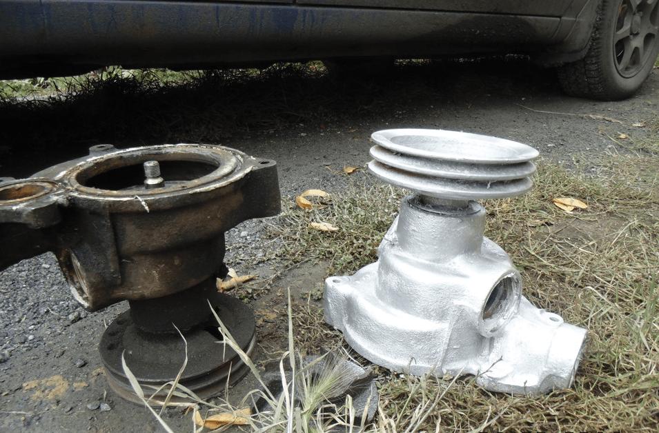Водяной насос автомобиля КАМАЗ